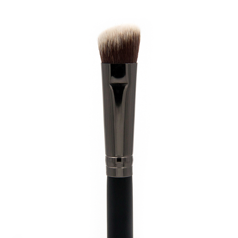 C466 Infinity Oval Foundation Brush