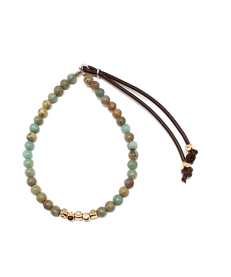 Blue agate mix bracelet and Stardust gold cubes - Catherine Michiels