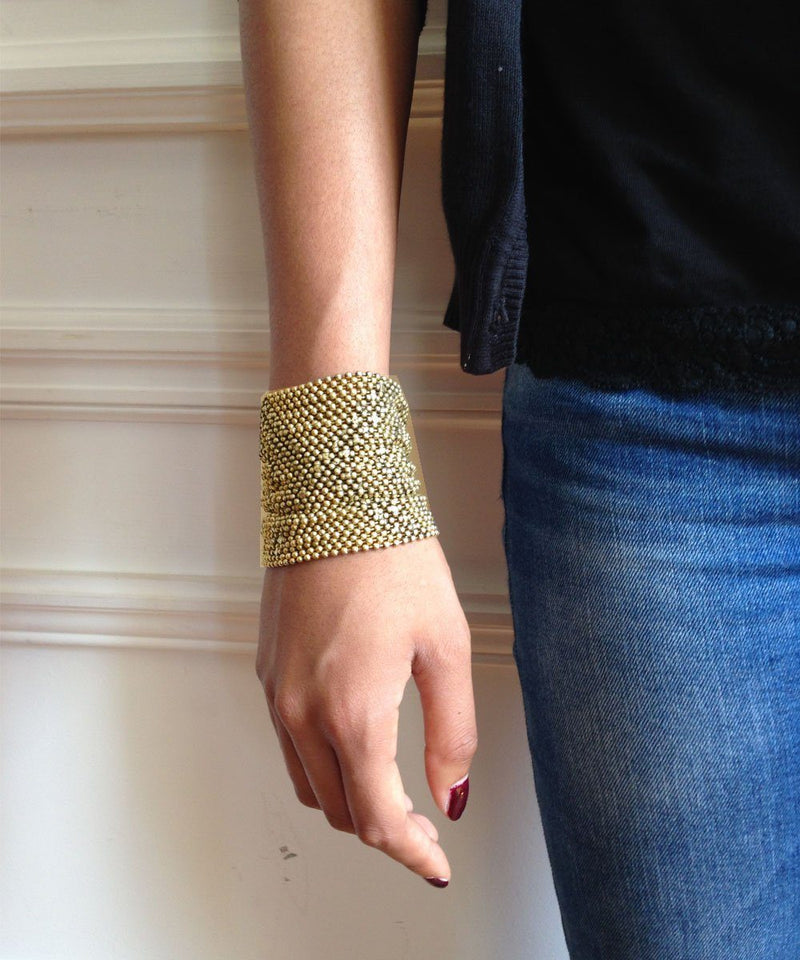 Gold mesh cuff bracelet - Editions LESSisRARE Bijoux