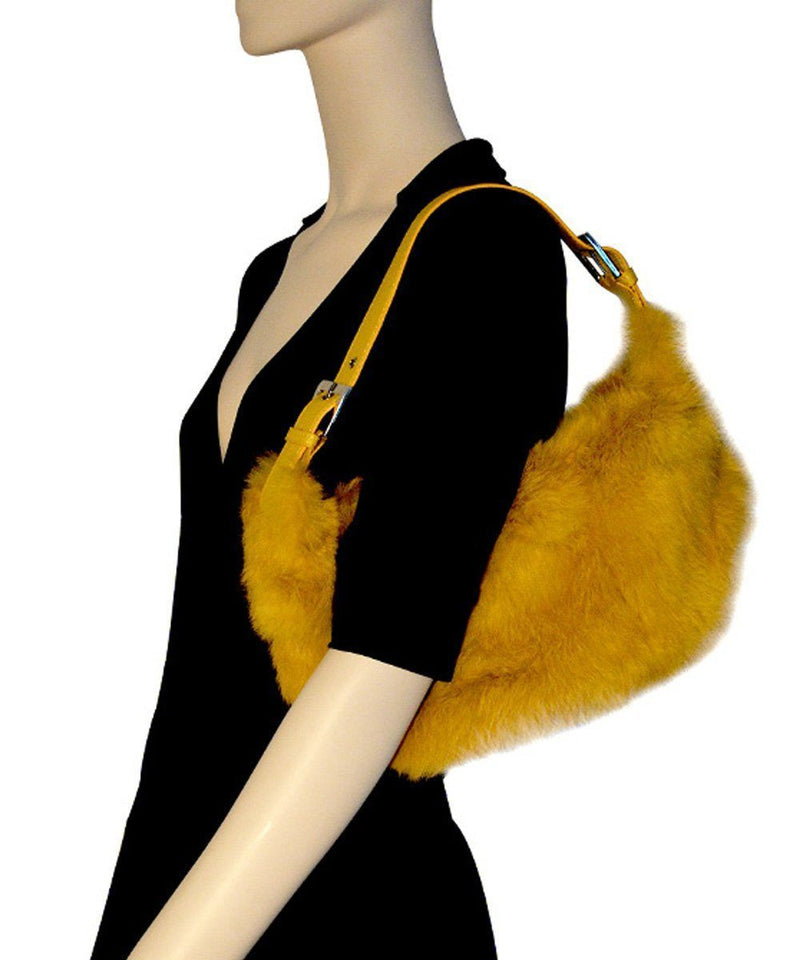 Yellow leather and fur handbag - Editions LESSisRARE