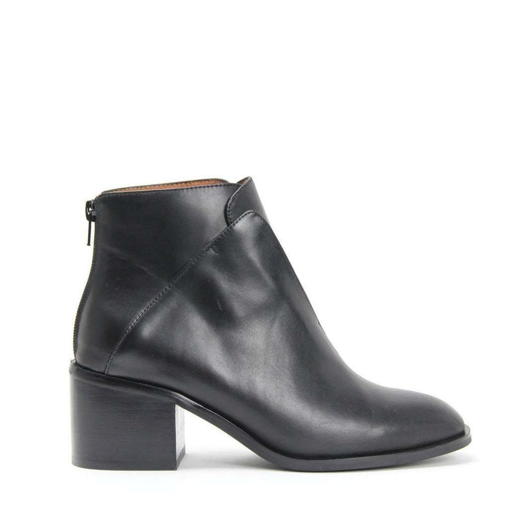JEFFREY CAMPBELL JERMAIN. Classic Ankle Boot. Black Calf Leather. Free, Fast Shipping Australia Wide On Orders Over $150. Afterpay & Zip Pay Available.