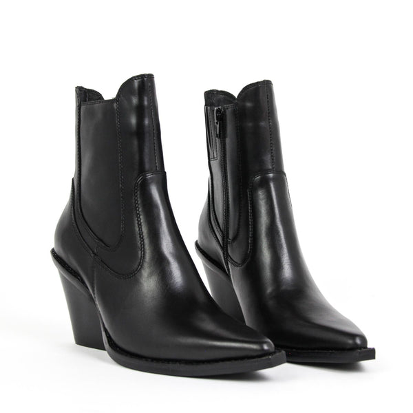 JEFFREY CAMPBELL Johan Western Chelsea Boot Black Calf Leather.
