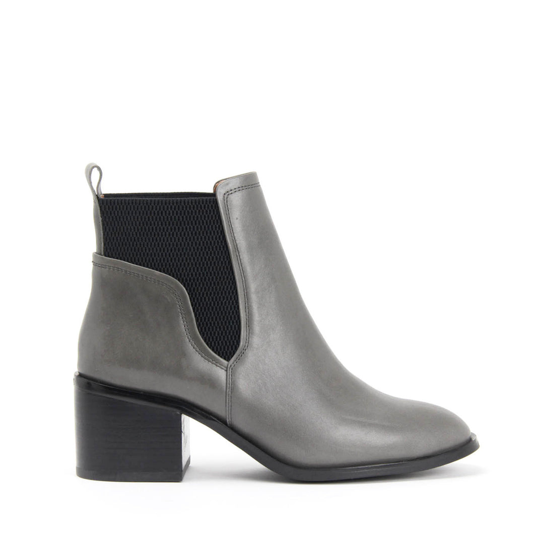 JEFFREY CAMPBELL FULMER. Chelsea Boot. Grey Calf Leather. Wrap Around Gusset. Leather Lined. 6.5cm Block Heel. California. Buy Now Pay Later With Afterpay.