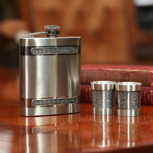 Mullingar Flask with Measure & Shot Glasses