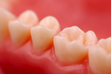 Sore Gums: The Signs, Symptoms And Dangers