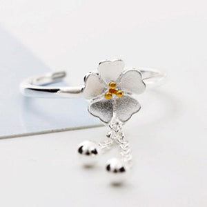 925 Silver Plated Flower Ring  - Zaida Fashions