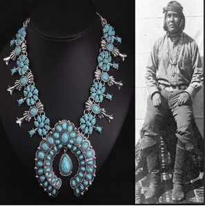 Collier bohemien Indian vintage perles Zuni.