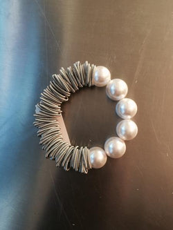 Silver Spring Ring Bracelet with White Mother of Pearl