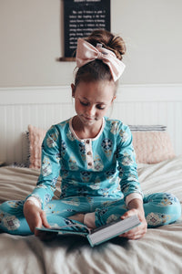 Luna 2 Piece Pajamas - in floral