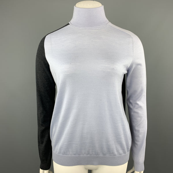 AKRIS 12 Light Blue & Charcoal Grey Wool Color Block Turtleneck Pullover