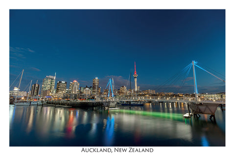 514 - Post Art Postcard - Auckland City at night