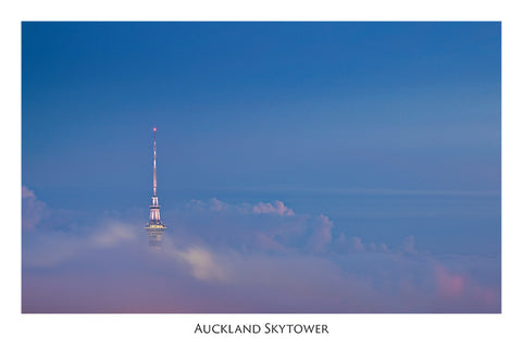 529 - Post Art Postcard - Auckland Skytower