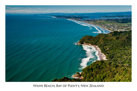632 - Post Art Postcard - Waihi Beach
