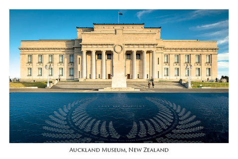 662 - Post Art Postcard - Auckland Museum