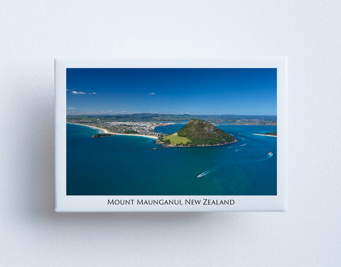 FM0043 - Post Art Magnet - Mount Maunganui Aerial