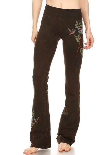 T Party Womens Hummingbird Embroidery Mineral Yoga Pant/
