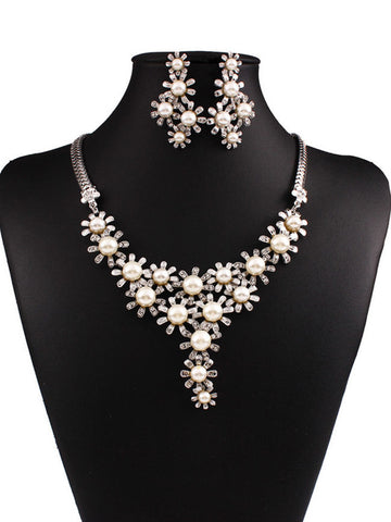 Shaped Pearl Necklace And Earring Luxurious Flower