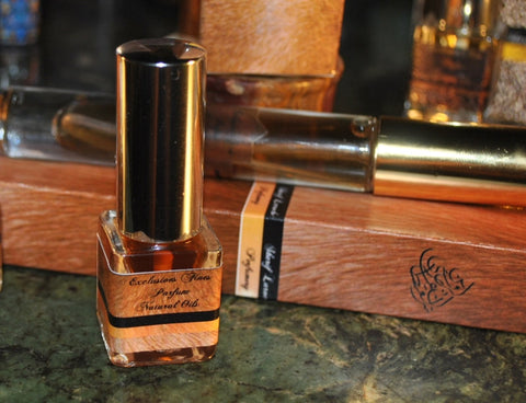 Tuscan Cigaro Natural Solid Parfum Spray 7ml