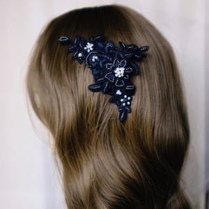 Colette lace haircomb