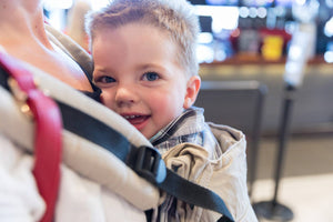 How to choose between Soft Baby Carriers and Baby Hiking Carriers
