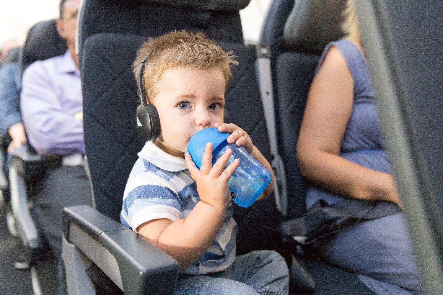 Best tips for long flights with toddlers