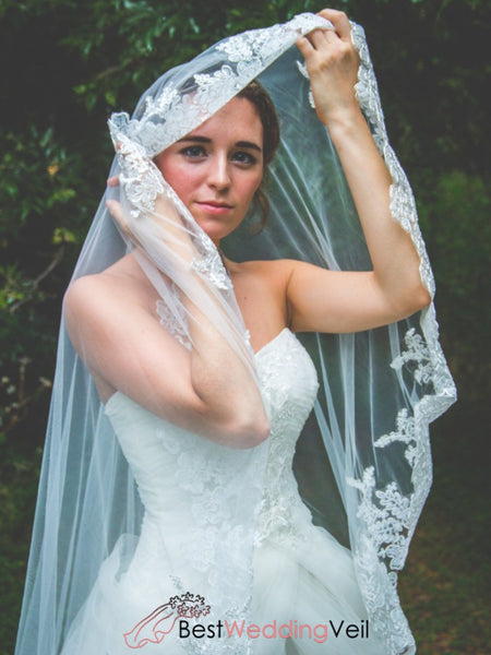 Exquisite Soft Tulle Veil Ethereal Wedding With Applique Lace Trim