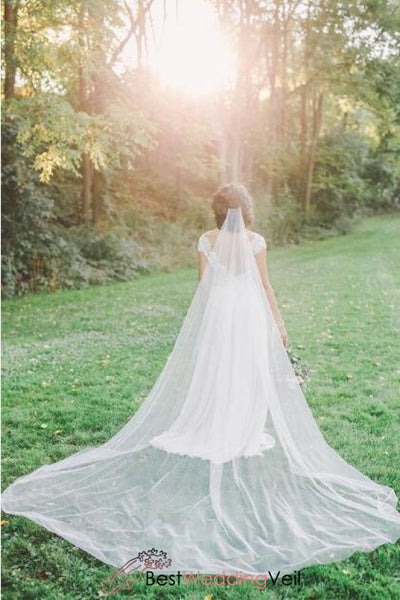 soft-tulle-long-boho-wedding-veil-with-comb