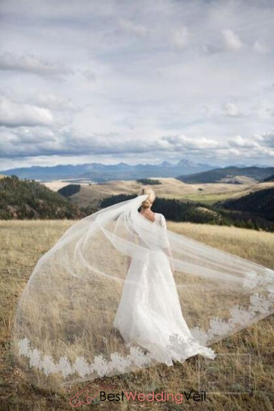 soft-tulle-long-outdoor-wedding-veils-with-lace-applique