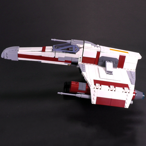 E-wing Starfighter - Minifig Scale