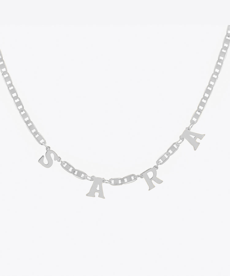 SERIF NAME NECKLACE