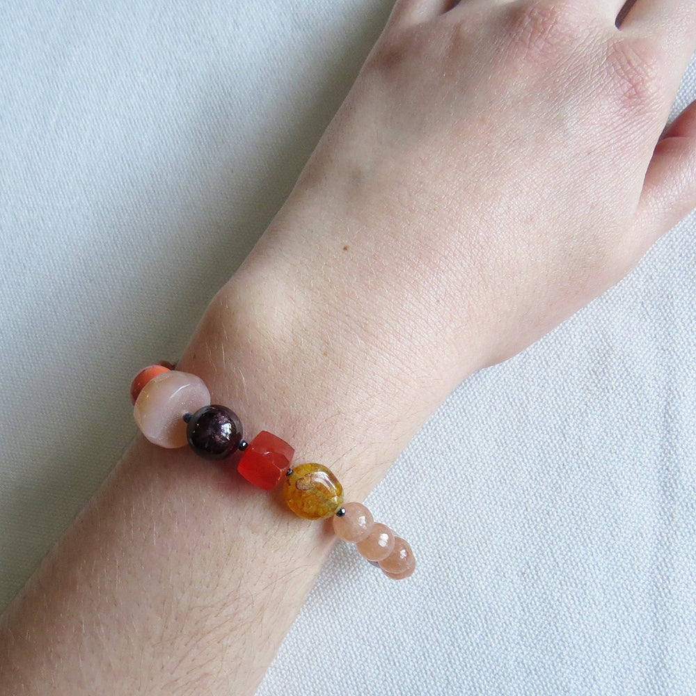SUNSTONE AND CORAL MIX BRACELET