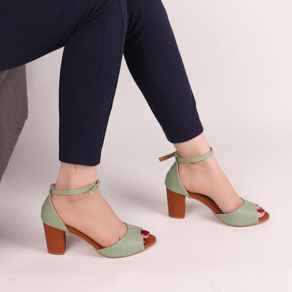 The fashionista Block Heels In Green