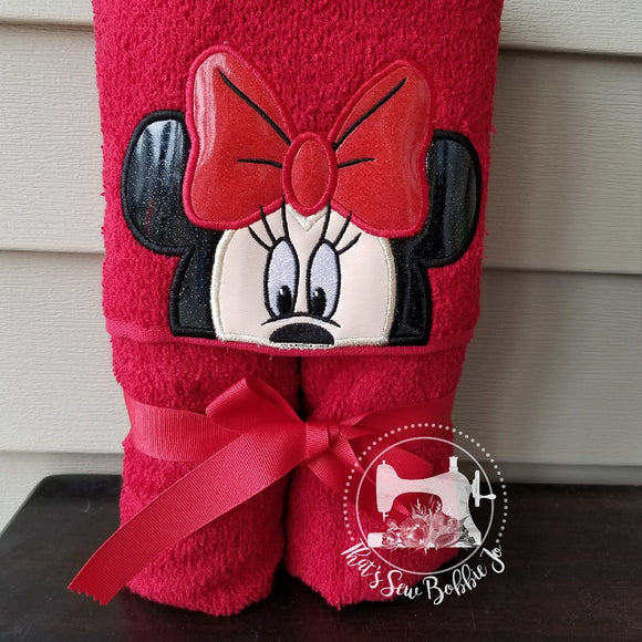 Hooded Towel - Classic Minnie