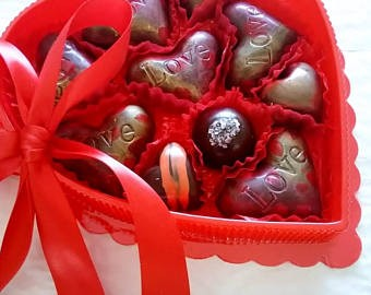 Valentine's or Mother's Day - Love Hearts / 10 Artisan Chocolates / ALL NATURAL
