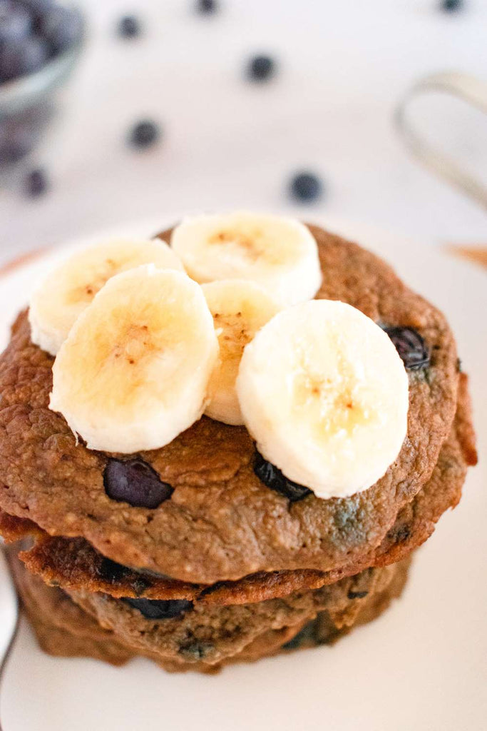 vegan blueberry banana oatmeal pancakes