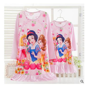 New casual style Milk silk fabric cartoon princess striped long sleeve nightgown mother daughter dresses matching Retail