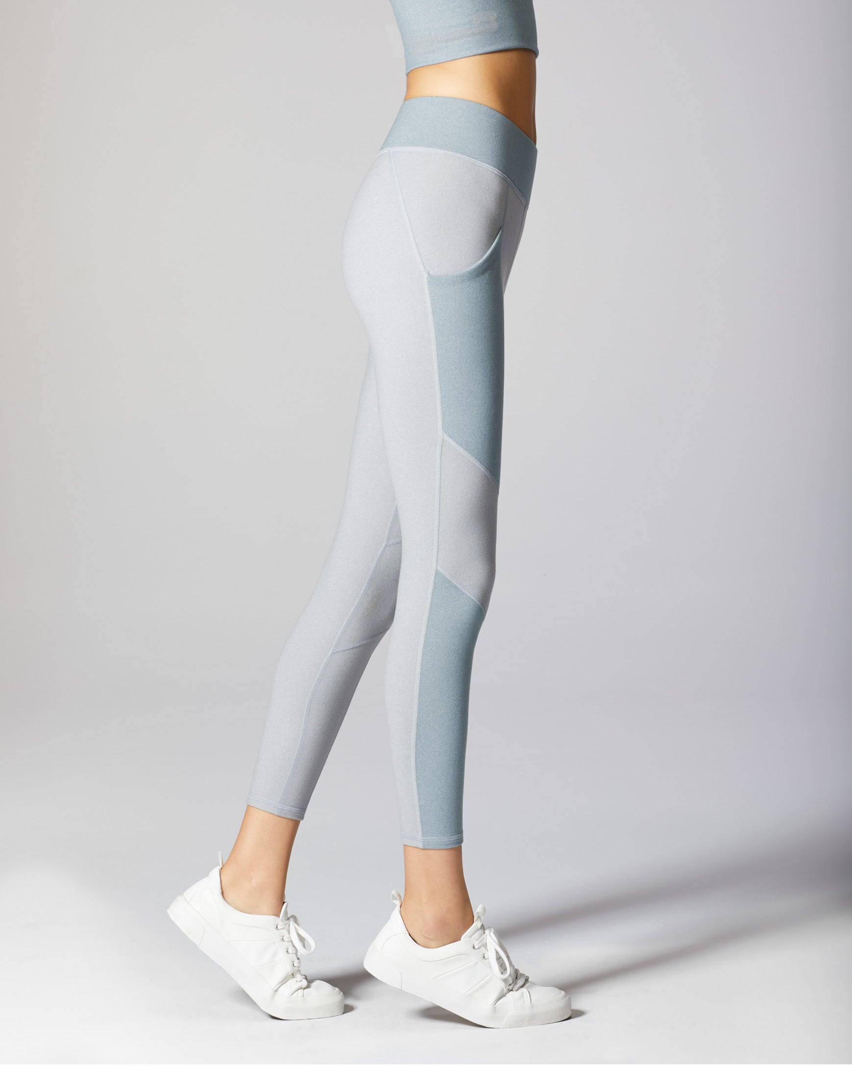 aura-pocket-legging-angelite-blue