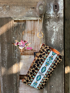HAIR ON LEOPARD BEADED WRISTLET