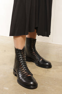 Braided Boot Black
