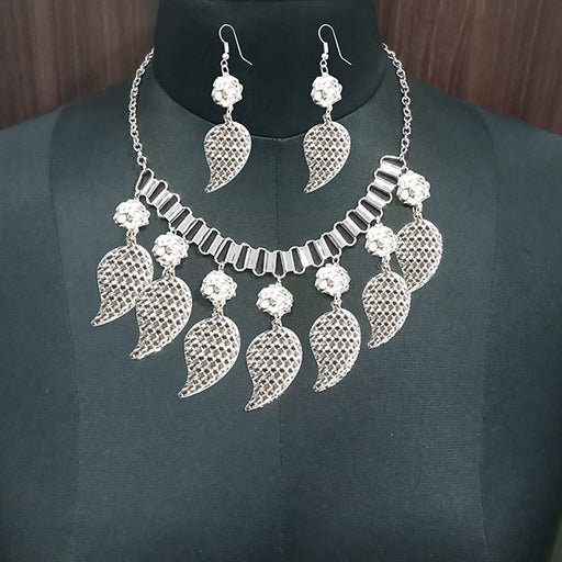 Jeweljunk Rhodium Plated Leaf Design Statement Necklace Set