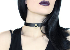 Restless Mind Choker Peek-a-boo silver gold Leather Choker