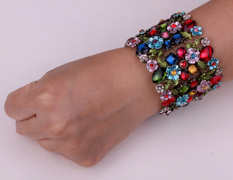Picture of multi-color stretch bracelet being worn.