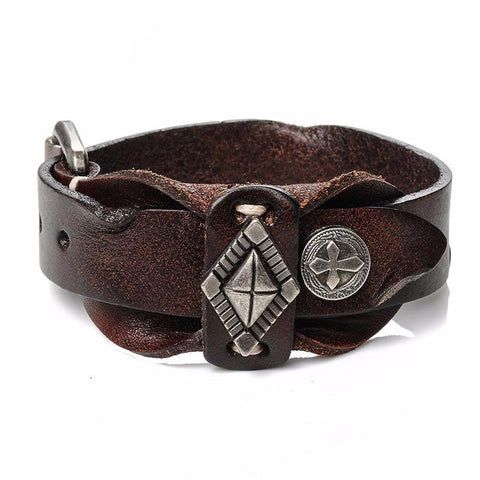 Picture of men's leather bracelet in brown.