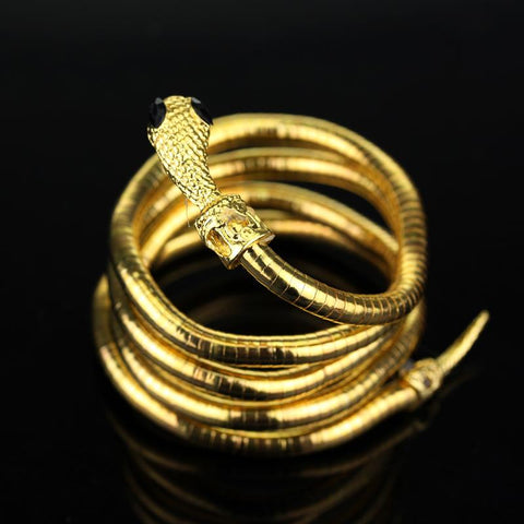 Picture of the serpent bracelet in gold.