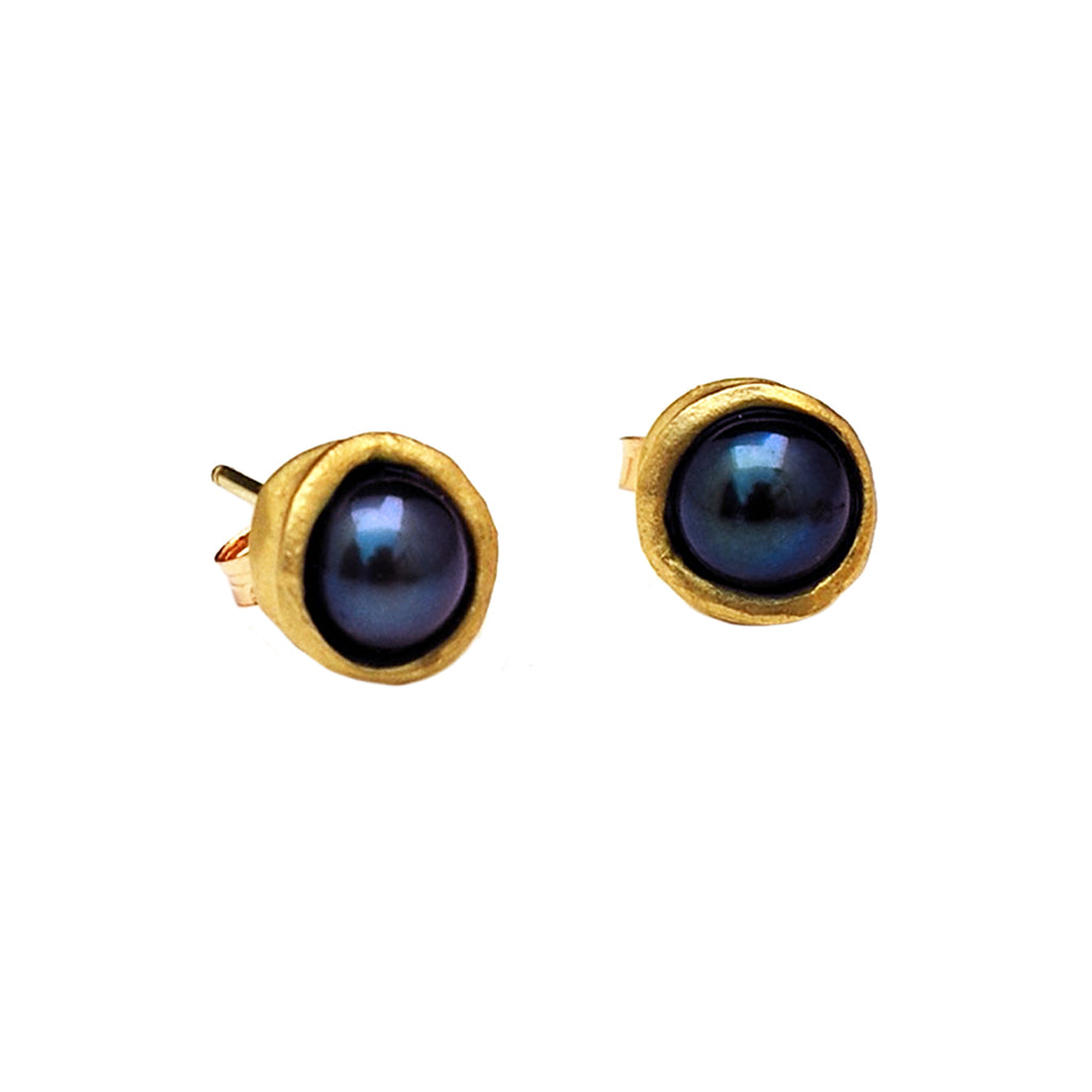 18k Gold Water Droplet Studs With Black Pearls
