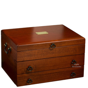 Silverware chest holds up to 250 pieces
