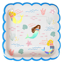 Super luxe kit includes:  8 large mermaid plates 16 mermaid napkins 8 iridescent party cups 1 pink table cover 20 pink forks 1 cupcake kit ( 24 cupcake cases & 24 toppers in 4 designs) 8 shell gift bags 1 Confetti balloon kit ( 8 clear balloons & pastel confetti plus gold bow stickers w/ gold bakers twine) 1 set of mermaid tattoos 1 Mermaid necklace for the special child celebrating their special day! by Meri Meri