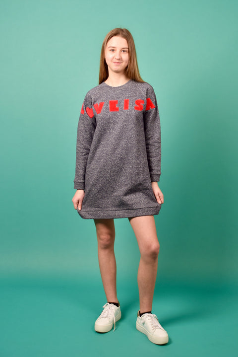 DERI SWEATERDRESS LOVE IS ALL AROUND RED