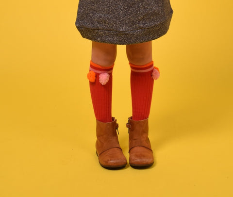 KNEE HIGH SOCKS WITH POMPOMS RED