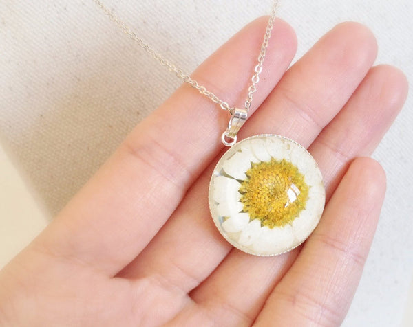 White Real Daisy Flower Necklace